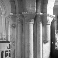 Pilier nord-ouest de la base du clocher (1996)