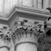 Chapiteaux de l'arc triomphal, côté nord (1996)