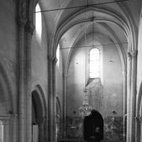 La nef vue vers le sud-ouest (1996)