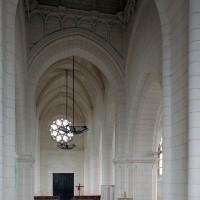 La travée du clocher et la nef vus vers le nord-ouest (2008)