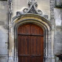 Le portail ouest, refait au 19ème siècle (2017)