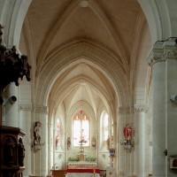 La base du clocher et le choeur vus vers l'est (2008)