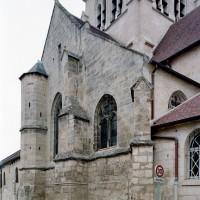 Le bras sud du transept et le clocher vus du sud-est (2007)