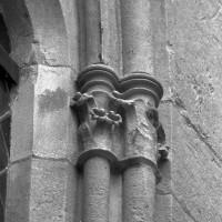 Chapiteaux d'une fenêtre du mur nord (1999)