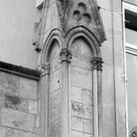 Pinacle associé au mur de chevet de la chapelle de l'abbé (1999)