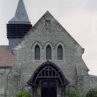 Vue partielle de l'église depuis le sud (2007)