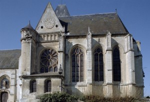 Le transept et le choeur paroissial, dédié à Notre-Dame, vus du sud (2003)