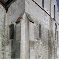Le choeur du 12ème siècle vu du sud-est avant restauration (2002)