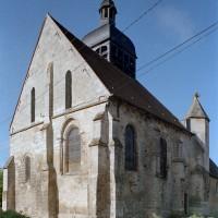 Vue partielle de l'église depuis le nord-est avant restauration (2002)