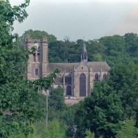 L'église dans son environnement vue du sud (2001)