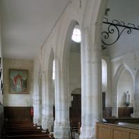 La nef vue vers le nord-ouest depuis le bas-côté sud (2008)