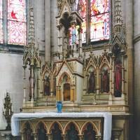 L'autel néo-gothique (2004)