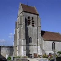 Vue de l'église depuis le sud-ouest (2007)