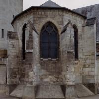 L'abside conservée de l'ancienne église vue de l'est (2006)