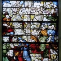 Fragments de vitraux de l'ancienne église remontés dans l'actuelle (2007)