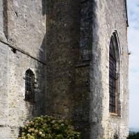 Vue partielle de la chapelle sud et du choeur depuis le sud-est (2016)