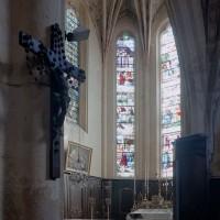Le choeur vu vers le nord-est depuis la chapelle sud (2002)