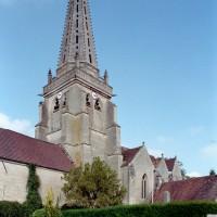 L'église vue du sud-ouest (2007)