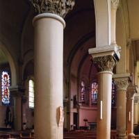 L'intérieur vu vers le nord-est depuis le bas-côté sud (2003)