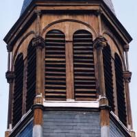 L'étage du beffroi du clocher (2003)
