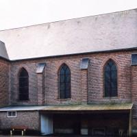 L'église vue depuis le nord-ouest (2004)