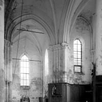 Vue partielle du transept et du choeur vers le nord-est (1996)