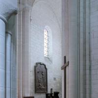 Le choeur vu vers le nord-est depuis le bras sud du transept (2001)