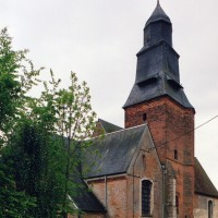 L'église vue depuis le nord-est (2003)
