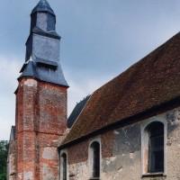Vue partielle de l'église depuis le nord-ouest (2003)