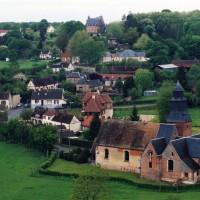 L'église dans son environnement vue du sud-est (2003)