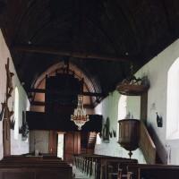 L'intérieur de la nef vu vers le nord-ouest (2003)
