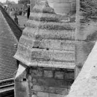 La partie supérieure de la cage d'escalier sud du choeur du 12ème siècle vue vers l'ouest (1970)