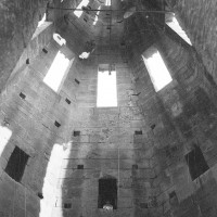L'intérieur de la flèche (1970)
