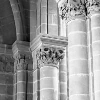 Chapiteaux du bas-côté sud de la nef (1986)