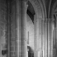 Ancienne fenêtre du bas-côté nord du choeur convertie en arcade (1986)