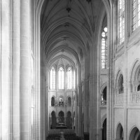 L'intérieur vu vers le sud-est depuis la tribune de l'orgue (1993)