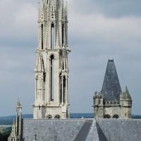 La flèche vue de l'est depuis la tour sud de Saint-Pierre (1993)