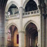 Le côté est du bras nord du transept vu vers le nord-est (1993)