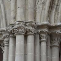 Chapiteaux du 13ème siècle à la retombée des deux arcades à l'est du bras nord du transept (2018)