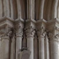 Chapiteaux du 13ème siècle à la première travée nord du choeur (2018)