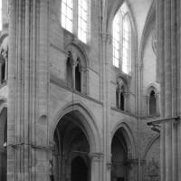 L'élévation du mur sud de la nef vu vers le sud-ouest
