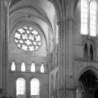 Le bras sud vu du transept vers le sud