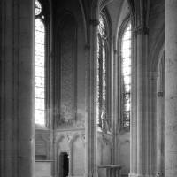 Vue partielle de l'abside et de la chapelle sud vers le sud-est