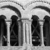 Baies du second étage de la face ouest du clocher-porche (1975)