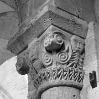 Chapiteau de la nef (étape 2 de la reconstruction de l'église)