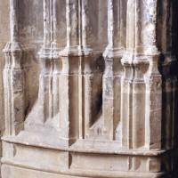 Base d'une pile de la chapelle de Charles d'Hangest (2007)