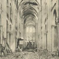 L'intérieur de la cathédrale en 1919