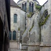 Vue partielle du bras nord du transept depuis le nord (2015)