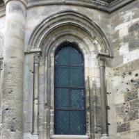 Fenêtre d'une chapelle rayonnante nord-est du choeur (2015)