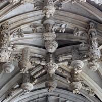 Détail d'une voûte de la chapelle de Charles d'Hangest (2007)